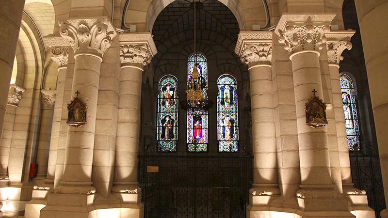 Catedral de la Almudena en piedra natural Bateig
